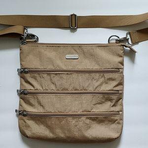 Baggallini crossbody nylon tan purse